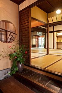元氣堂の内装、玄関からの写真