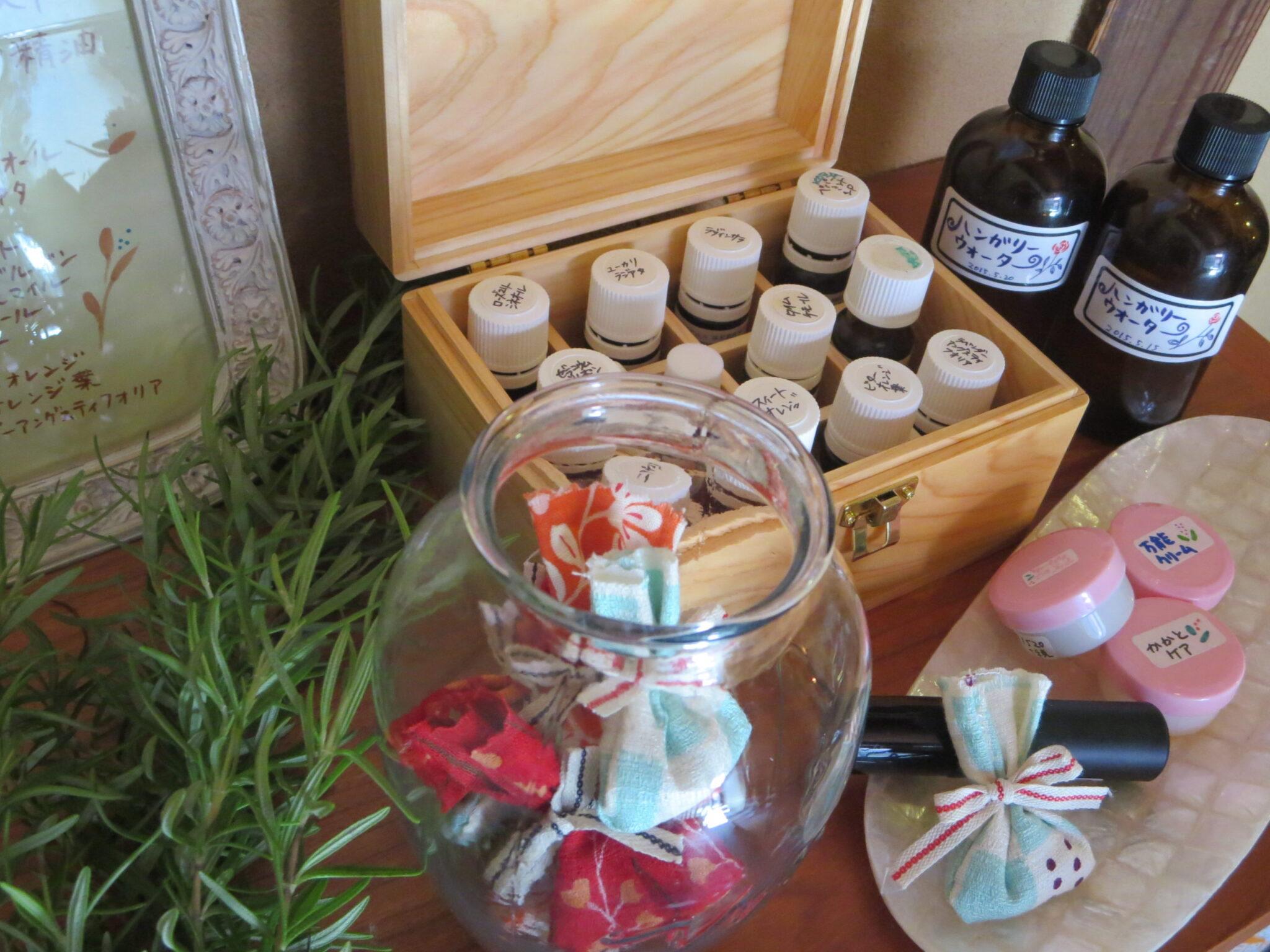 24日、西武高槻店で世界にひとつだけの香りを作ろう